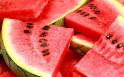 A görögdinnye leve megvéd a nap káros sugaraitól?